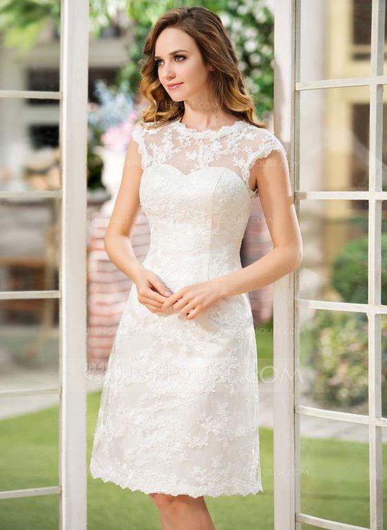 mujer con un vestido de novia de bordados y encajes